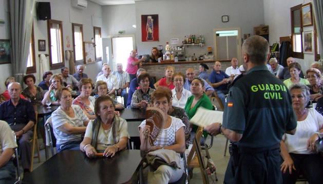 La Guardia Civil ofrece consejos a los jubilados para su seguridad