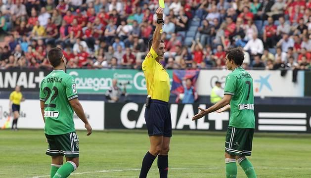 Imágenes del partido entre el C.A. Osasuna y el Racing Santander, con resultado de 2-0