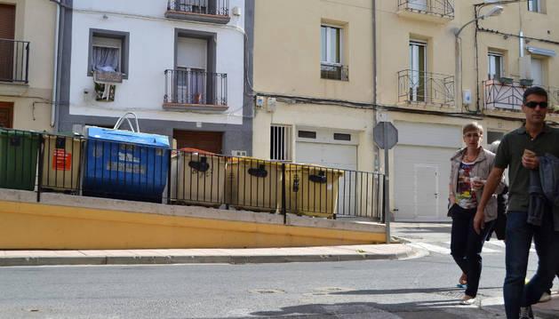 Contenedores instalados en la calle Ramón y Cajal de Andosilla