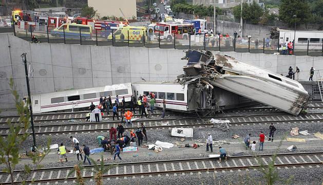 Estado en el que quedó el tren Alvia que cubría la ruta entre Madrid y Ferrol