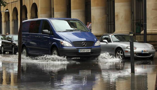 La lluvia deja entre 20 y 30 litros en Pamplona y su comarca en una hora