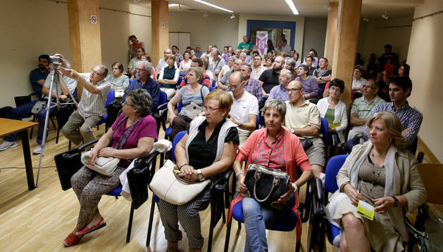 Casi 100 personas en una charla sobre los peligros del fracking