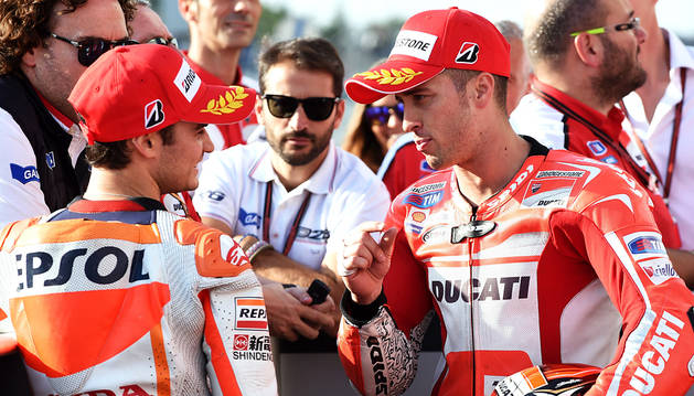 Dovizioso sorprende a los favoritos con la 'pole' en MotoGP
