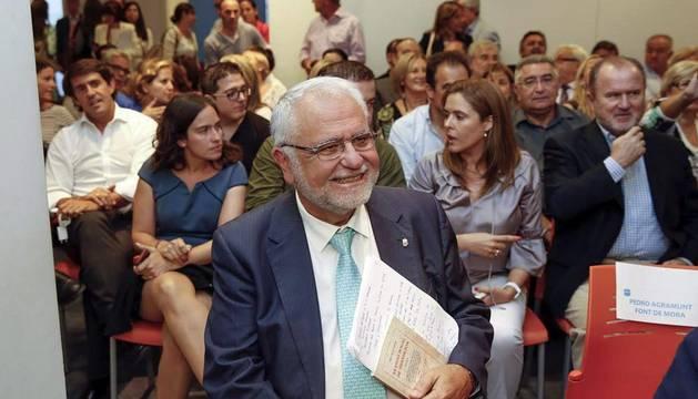 Cotino renuncia a la presidencia de Les Corts Valencianas y a su escaño