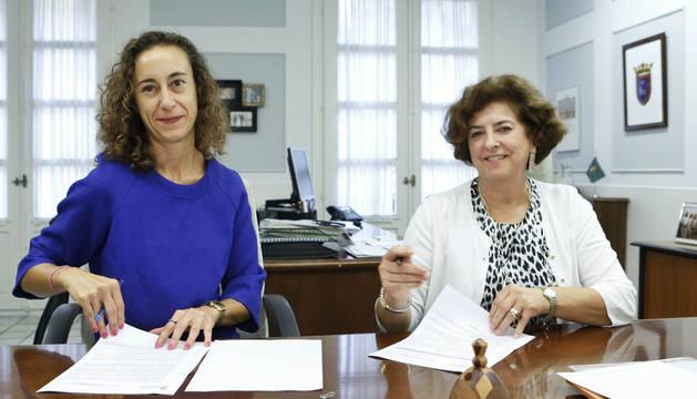 El convenio ha sido firmado por la concejala Ana Lezcano y la presidenta de la Coordinadora de ONGDs de Navarra, Patricia Ruiz