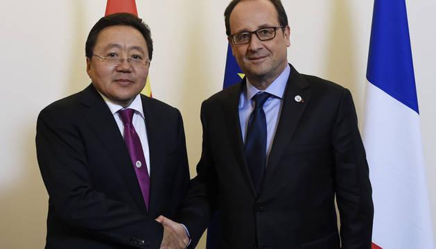 Los presidentes de Mongolia y de Francia, en la cumbre