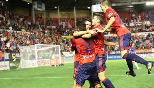Los jugadores rojillos celebran el gol de Kenan Kodro