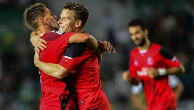 Gameiro y Carrico celebran el 0-2