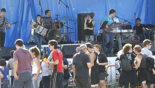 Sangüesa acogió la edición del Nafarroa Oinez 2014 con la presencia de más de 40.000 visitantes.