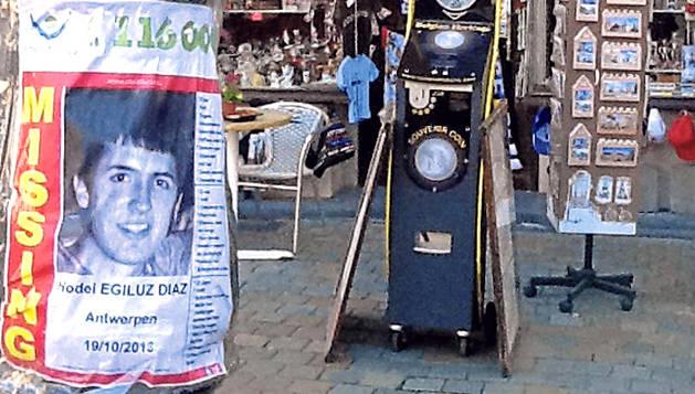 Cartel de la búsqueda el joven vasco desaparecido en Amberes