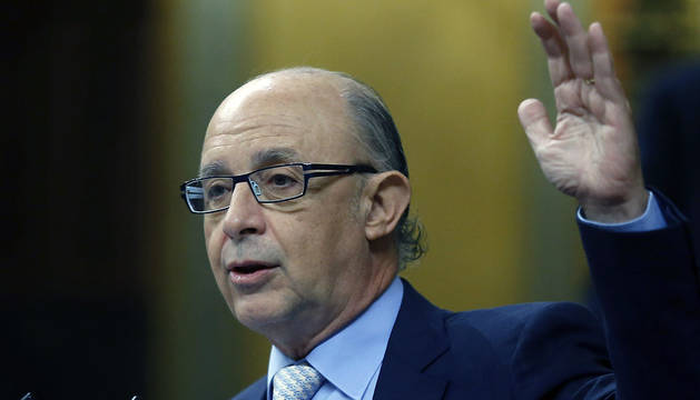 El ministro de Hacienda, Cristóbal Montoro, durante su intervención en el Congreso este miércoles