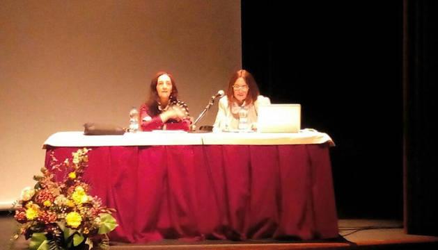 Socorro Latasa presenta en Aoiz su noveno poemario