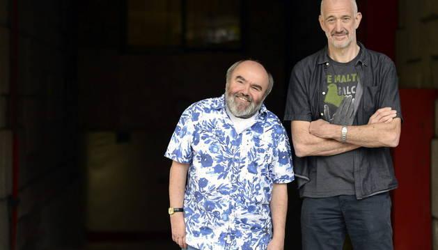 Los directores Guy Jenkin (d) y Andy Hamilton (i).