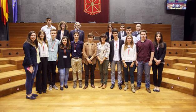 El colegio El Puy gana el V Torneo de Debate de Bachillerato