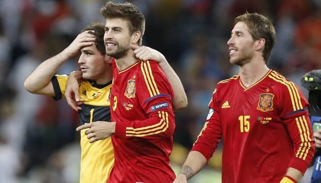 Casillas, Piqué y Ramos, con la selección