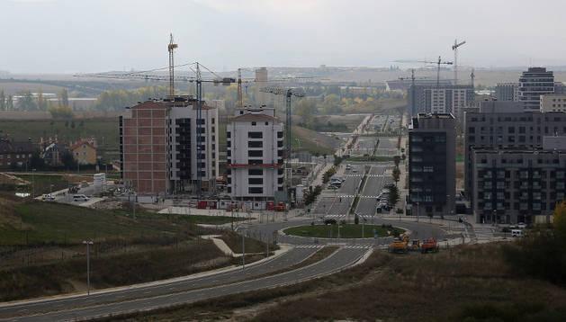 Nuevo vial de la urbanización de Mugartea