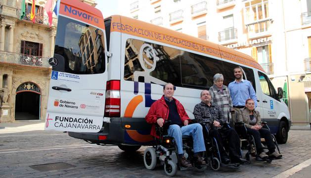 Fundación Caja Navarra aporta 25.000 euros a Cocemfe Navarra