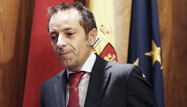 Sánchez de Muniáin apuesta por seguir los procedimientos pactados