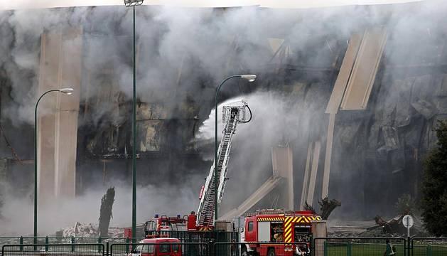 Un gran incendio ha afectado a la planta de la industria cárnica de Campofrío en Burgos, una de las más grandes existentes en la Comunidad.