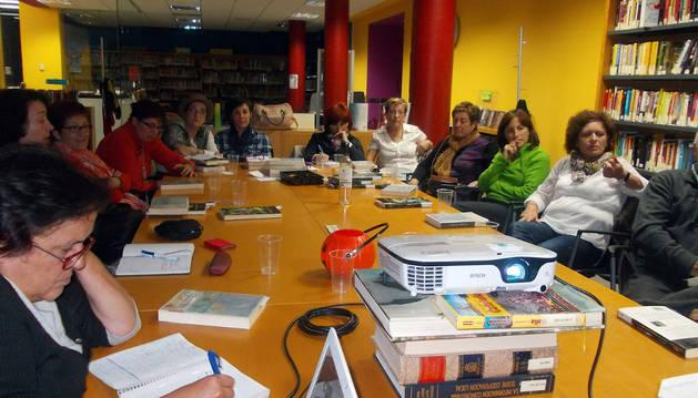 Los participantes en el club de lectura
