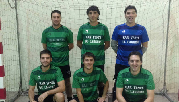 Jugadores del equipo Bar Venta de Larrión, que ocupa la octava plaza en la segunda división.