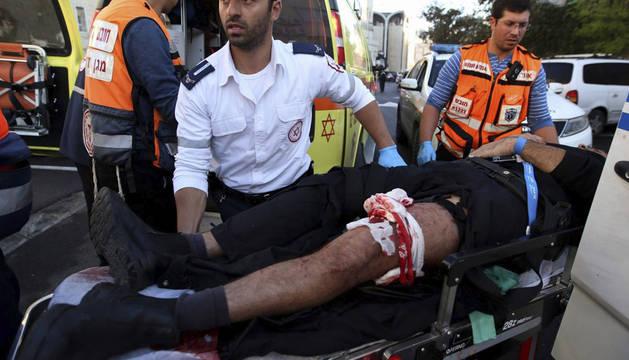 Mueren 4 israelíes y dos atacantes en el asalto a una sinagoga de Jerusalén