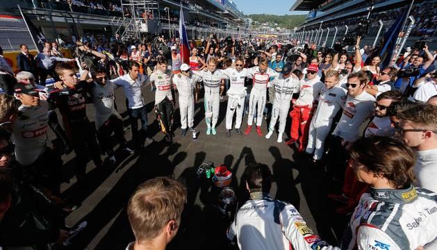 Los pilotos, en silencio, antes del Gran Premio de Rusia