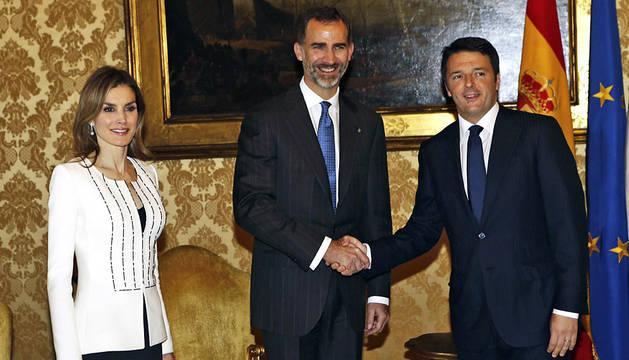 Los Reyes, con Renzi en Roma