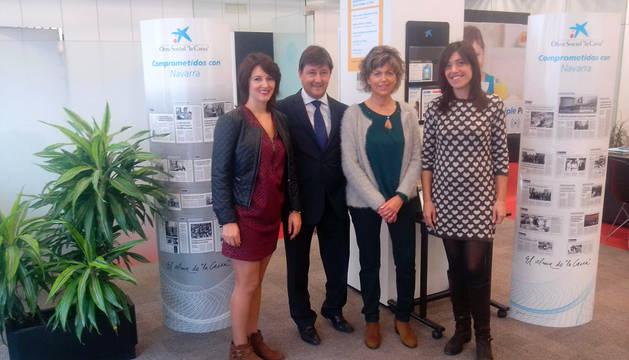 De izquierda a derecha, María Jesús González Herce, Jesús Manuel Jiménez Arribas, la alcaldesa Yolanda Manrique Albo y Virginia Montorio Lázaro, tras la firma del convenio.