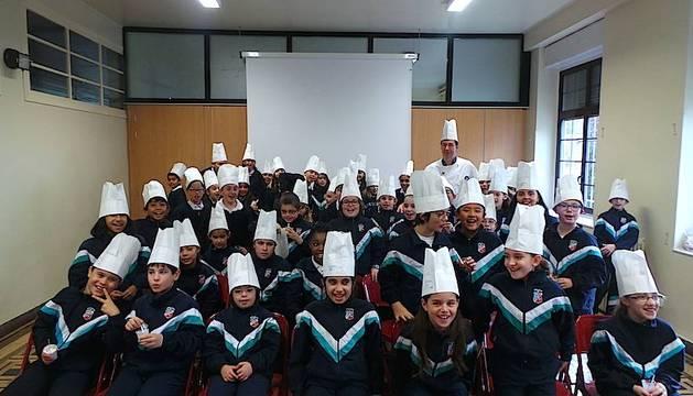 Todos los pequeños chef del Colegio Esclavas del Sagrado Corazón  se fueron a casa con su gorro de cocinero.