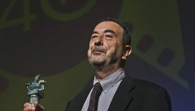 El director de cine, José Luis Garci, tras recibir el premio 'Ciudad de Huelva'.