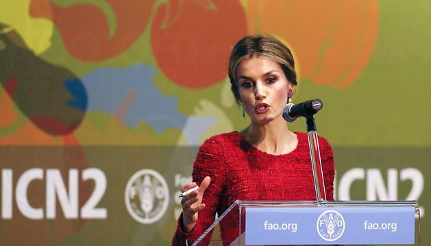 La Reina Letizia ofrece un discurso durante la Segunda Conferencia sobre Nutrición convocada por la OMS y la FAO en Roma