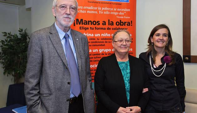 Jordi Folgado; Anna Ferrer y María Zulaika, director, presidenta y delegada en Navarra, respectivamente, de la Fundación Vicente Ferrer.