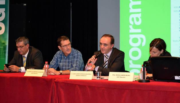 José Ignacio Calleja (Consebro); Javier Lecumberri (UGT); José Javier Esparza (consejero Desarrollo Rural) y María Simón (UGT).