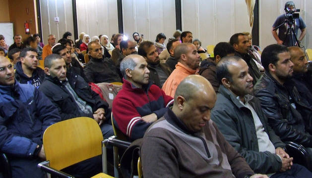 Asistentes a la charla celebrada en la casa de cultura.