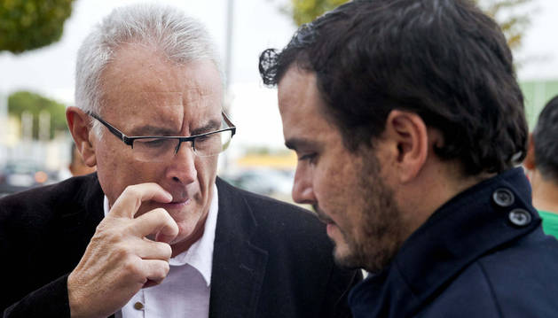 Cayo Lara conversa con Alberto Garzón, diputado malagueño que se presenta a las primarias de IU