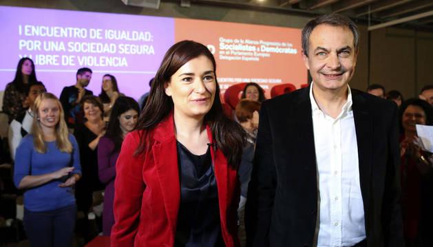 José Luis Rodríguez Zapatero y Carmen Montón, secretaria de Igualdad de la Comisión Ejecutiva Federal del PSOE, a su llegada al 'I Encuentro por la Igualdad'