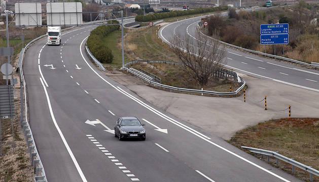 Autopista A-68 a su paso por Tudela.