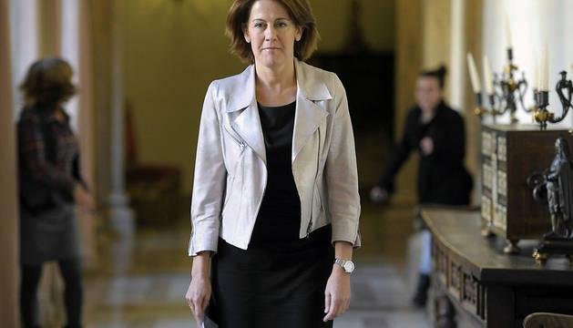 La presidenta del Gobierno de Navarra y de UPN, Yolanda Barcina, a su llegada al Palacio de Navarra