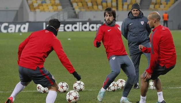 Los jugadores del Athletic, en Donetsk