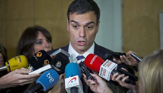 Pedro Sánchez responde a los medios.