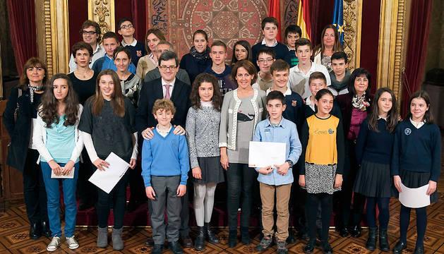 Barcina e Iribas, con los estudiantes y docentes premiados