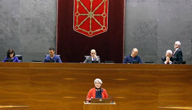 Lourdes Goicoechea, Consejera de Economía, Hacienda, Industria y Empleo, durante su intervención este jueves