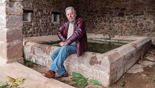 Ángel Martínez Salazar, fotografiado en el lavadero de Sorlada.