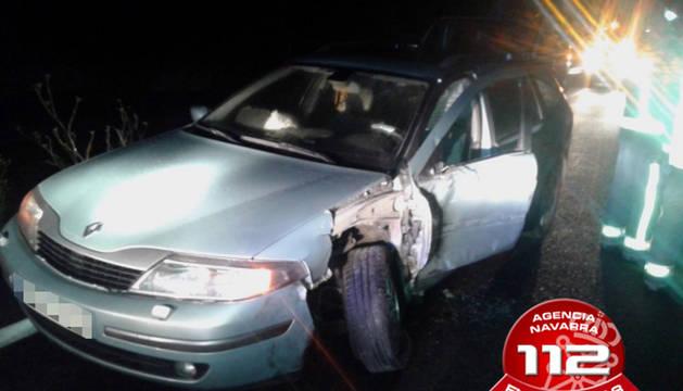 Imagen del coche siniestrado esta madrugada en Barásoain.