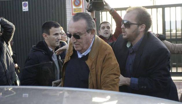 Carlos Fabra, en la Audiencia de Castellón, donde se le notificó su ingreso en prisión