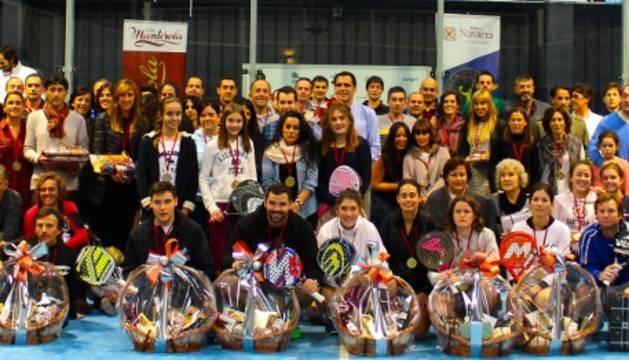 Foto de grupo del Campeonato navarro de pádel 2014