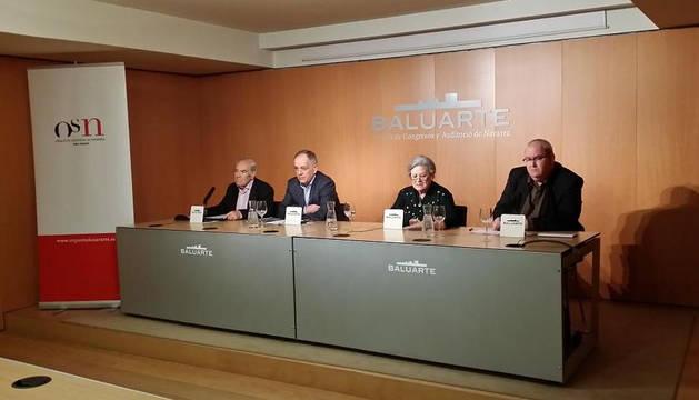 El director gerente de la OSN, Joaquín Romero, la presidenta de la Sociedad de Conciertos Santa Cecilia, María Jesús Artaiz, el presidente del BAN, Gregorio Yoldi, y el vicepresidente del BAN, Carlos Almagro.