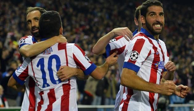 Raúl García celebra su gol contra el Olympiakos