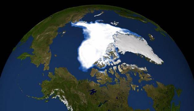 Imagen del Ártico ofrecida por la NASA